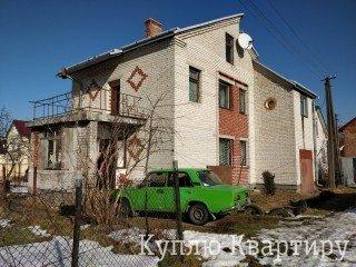 Продаж гарного житлового цегляного будинку в с. Конопниця! 5 сот землі