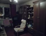 1 комнату  в трехкомнатной квартире.