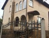 Будинок в м. Луцьк 244 кв.м, 6 сот. в районі вул. Дубнівської