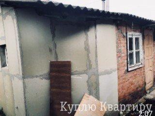 Срочно продам 1\2 дома район м Пролетарская 10 мин пешком .