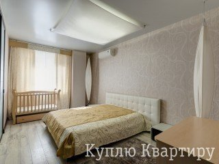 Продам свою квартиру біля ст.м. Проспект Гагаріна